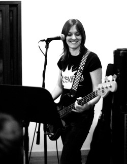 Victoria Smith Bassist & Tutor